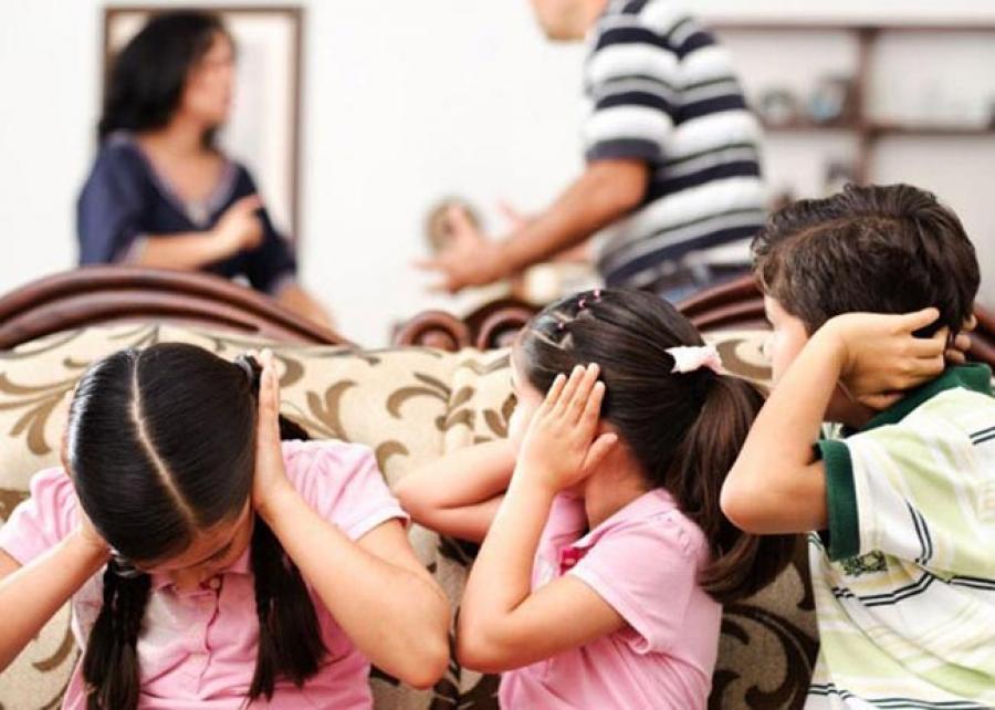 Οι επιπτώσεις της οικονομικής κρίσης στα παιδιά και τους εφήβους